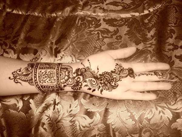 Valentine Day Mehndi Design Collection 2013 (15)