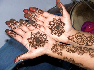Valentine Day Mehndi Design Collection 2013 (14)