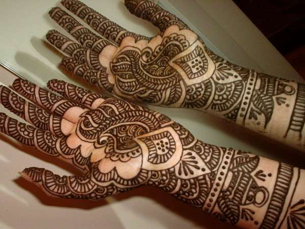 Valentine Day Mehndi Design Collection 2013 (10)