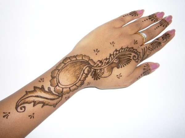 Valentine Day Mehndi Design Collection 2013 (7)