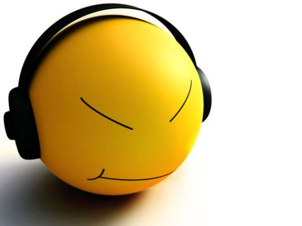 smiley-listen-music-HD_wallpapers