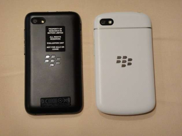 Omio-BlackBerry-Q5-vs-BlackBerry-Q10-2