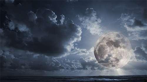 Sea cool moon wallpaper