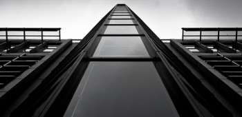 3-monochrome-free-hi-resolution-skyscraper-wallpaper.jpg