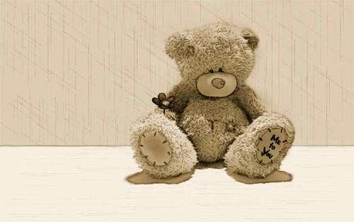 Bear hugs wallpaper