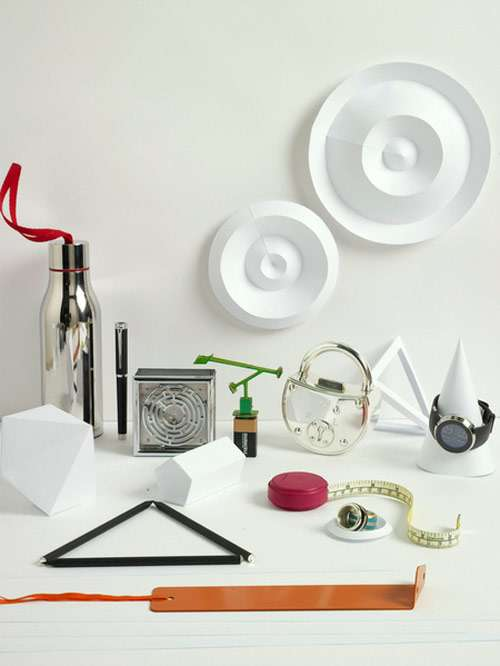 Accessorize Paper Sculpture.
