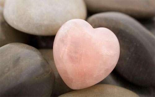 Pink Heart Stone_96801 Wallpaper