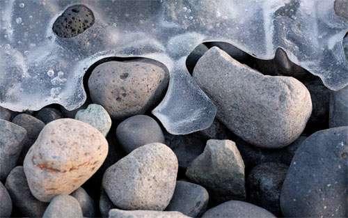 Icy Stones wallpaper