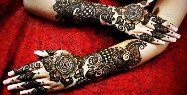 Best-Eid-Mehndi-Designs-2013-for-Girls-Latest-Collection-640x325.jpg (640×325)