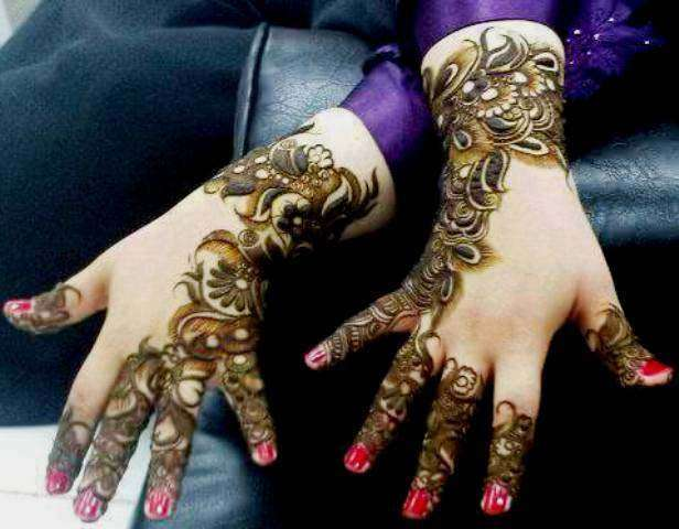 Latest-New-Year-Mehndi-Designs-2014-for-Women-5.jpg (616×480)