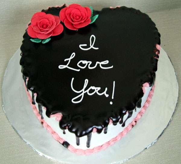 valentines-day-cake.jpg (600×545)