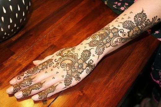 Also you may visit to 50 Best Mehndi Designs of 2014 .